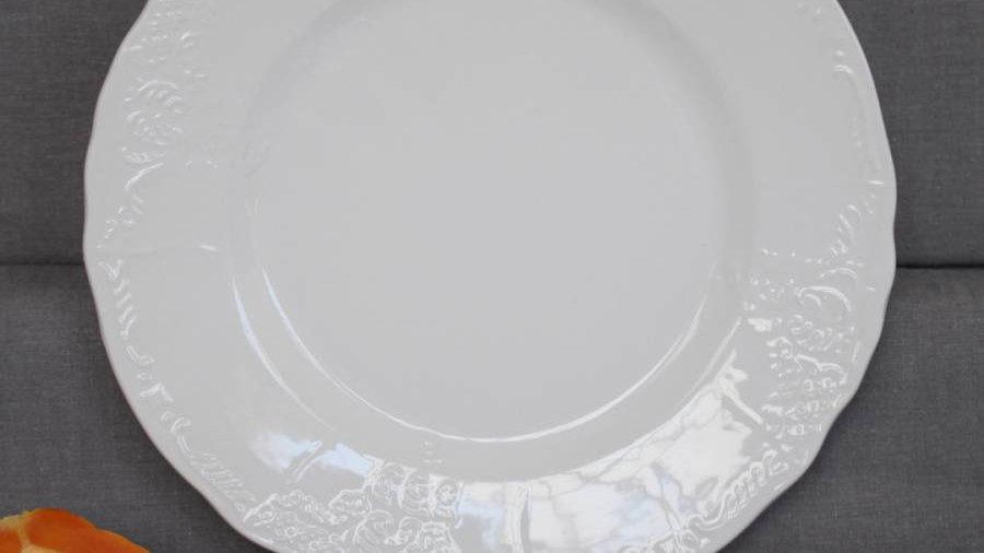 White Ceramic Dinner Service