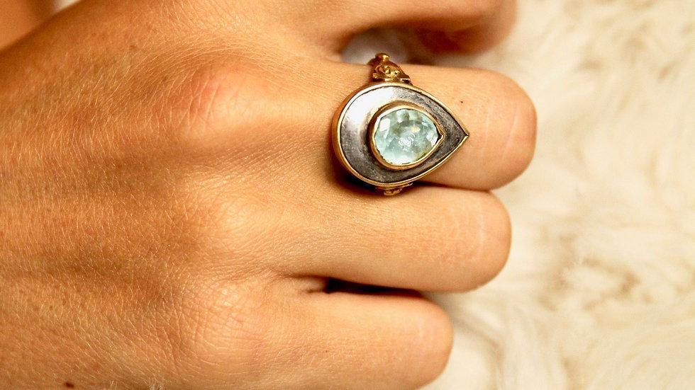 Sally Dudmesh Mughal Teardrop Gold & Sapphire Ring
