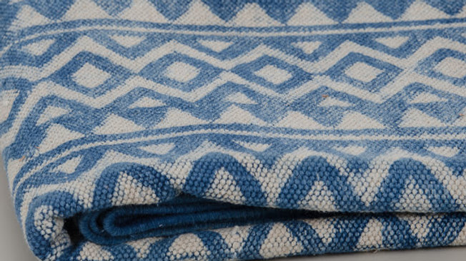 Diamond Patterned Blue & White Indian Rug 4 x 6 ft