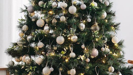 Green Artifical Christmas Pine Trees - 5ft