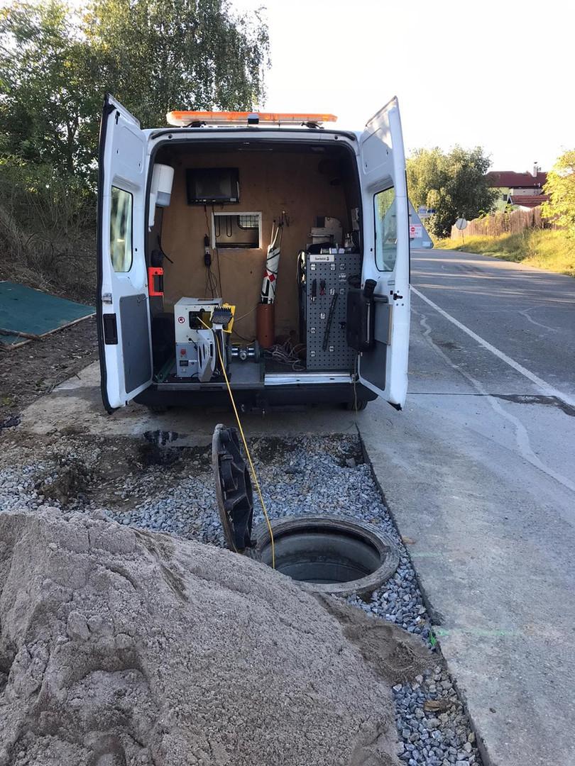 Auto speciálně upravené pro monitoring potrubí.