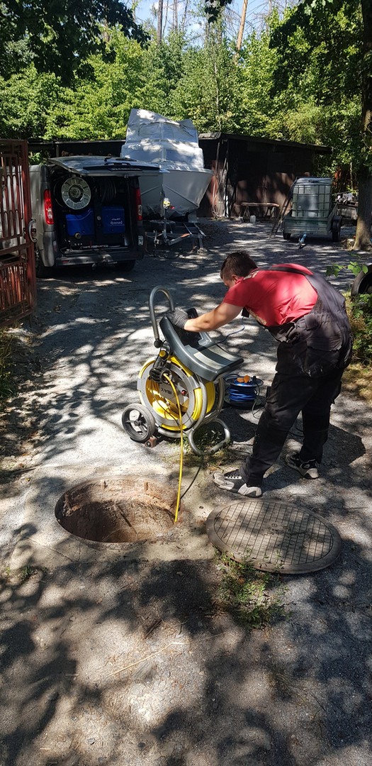 Průzkum kanalizace šoupací kamerou