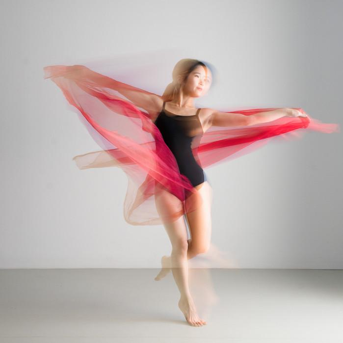 MAZET Gérard - Danse au Foulard Rouge