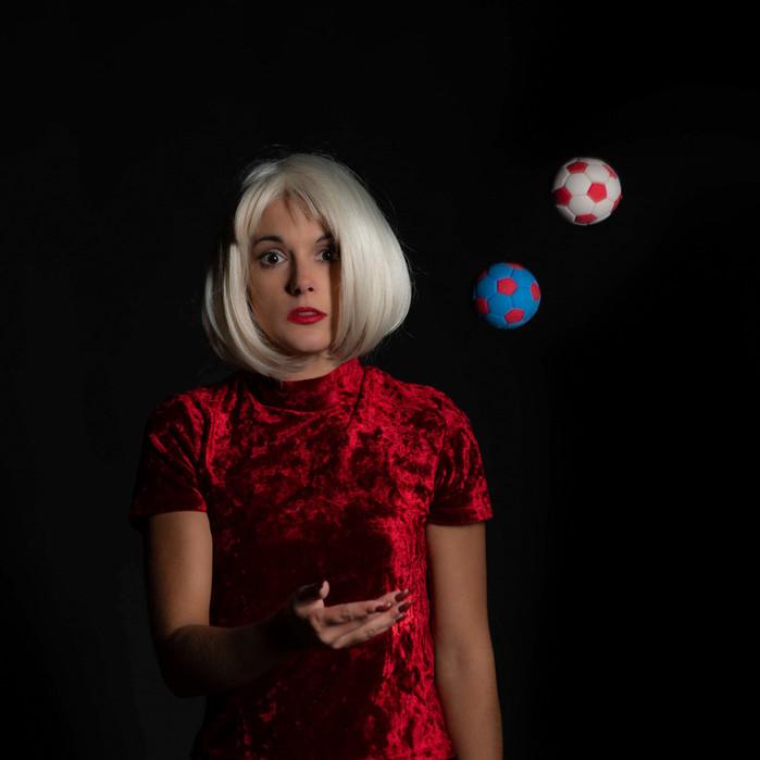 VALLAS Hélène - Play With Balloon