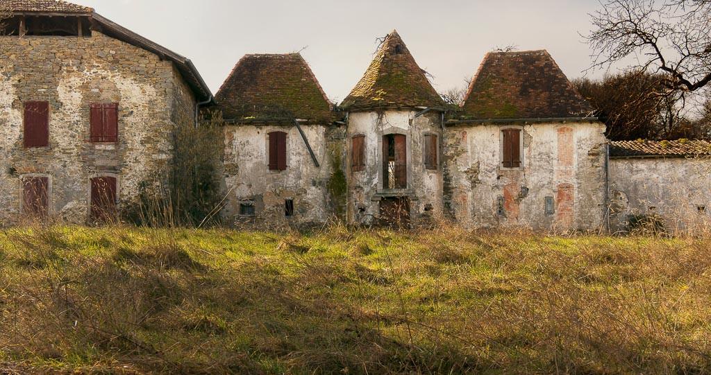 ERRECUNDO Anne Marie - Maisons Abandonnées