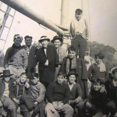 マグロ船乗組員たち