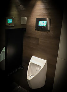 Mr.Friendly waterloos urinoir met display.jpg