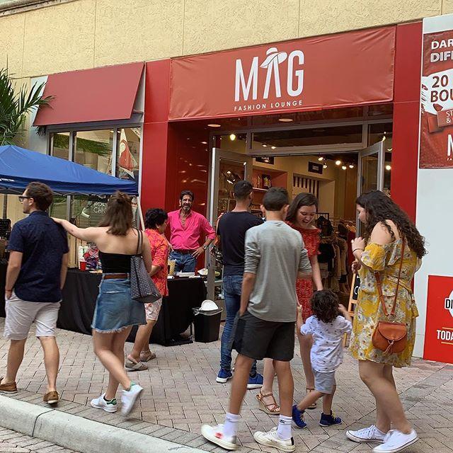 _magfashionlounge  Dare to shop differen