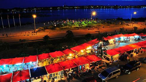 mekhong night market.jpg