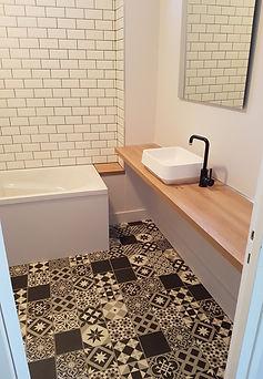 Rénovation salle de bain, sol, carreaux ciment, carreaux métro, plan vasque