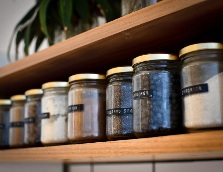 Organise spices alphabetically or by cuisine