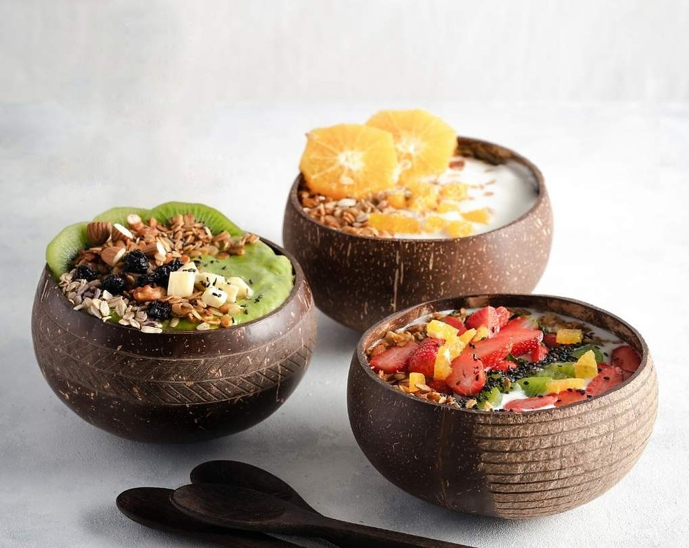 Eco-friendly natural plastic-free vegan coconut bowls and reclaimed spoon