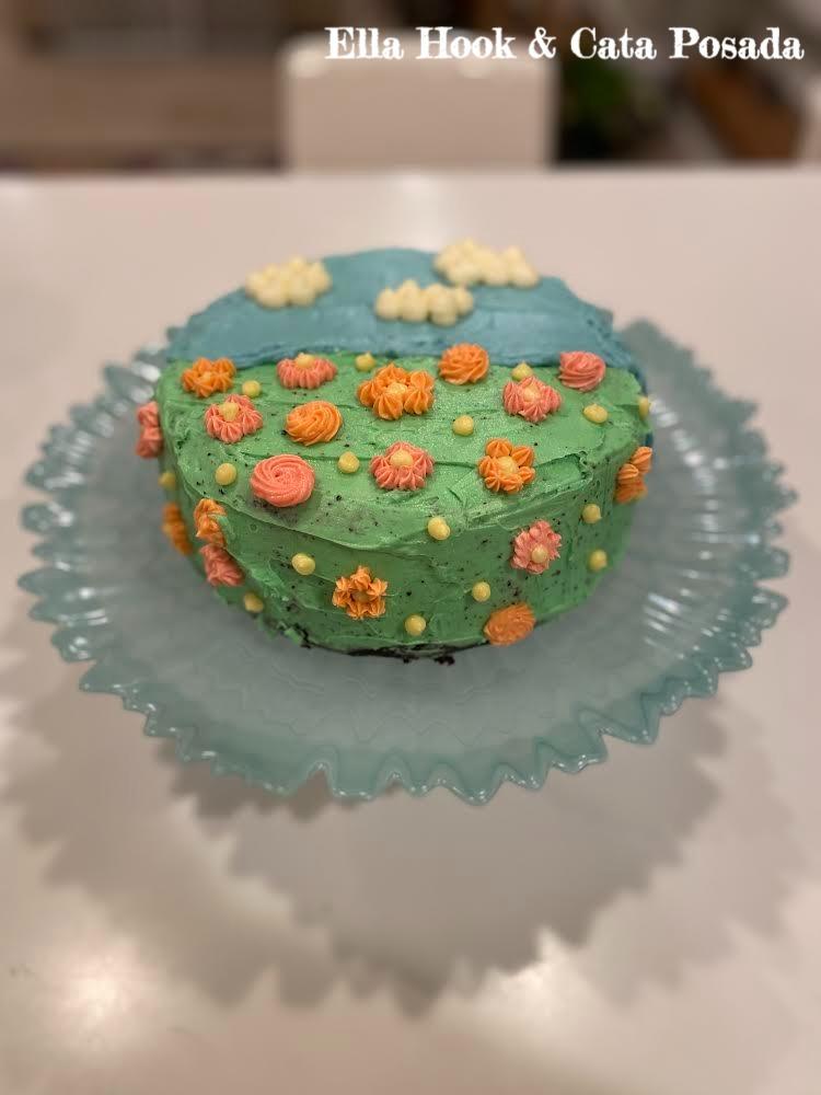 A cake decorated by Ella Hook and Cata Posada.