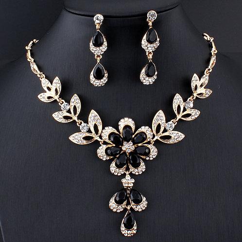 parure fantaisies fleurs perles noires et strass