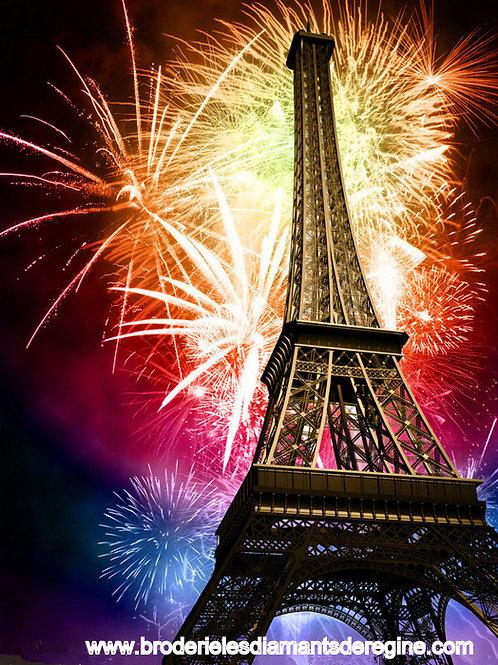 la tour Eiffel et le feu d'artifice