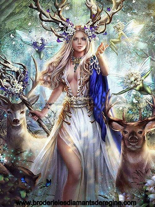 La reine fée des cerfs de la forêt