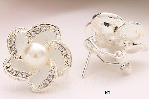 Boucles d'oreilles fleurs perle et strass