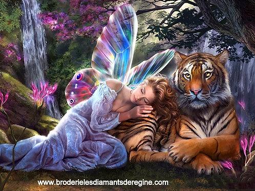 Femme papillon et tigre