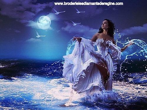la Dame qui sort de la mer