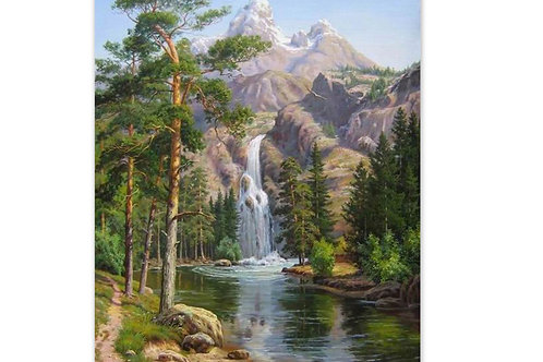 cascade dans la montagne