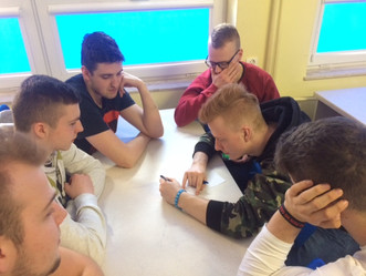"""Lekcje """"W ciąży – ani kieliszka"""" w szkołach ponadgimnazjalnych  w Starogardzie Gdańskim"""