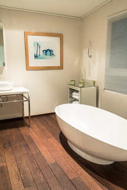 Lilac room private bathroom