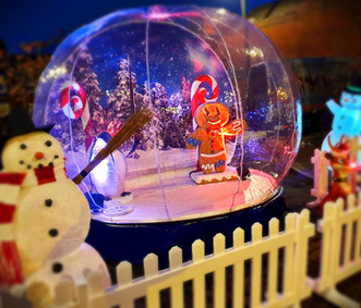 Hire a Giant Snow Globe and Winter Props