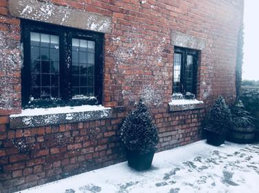 Winter in Summer - Fake Snow Scene Setti