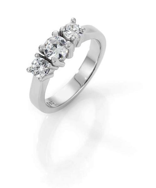 LOVE diamantring m/tre diamanter