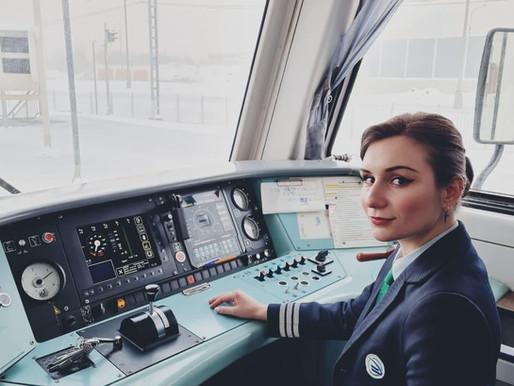 Goda nyheter: Rysslands första kvinnliga lokförare hoppas kunna inspirera andra kvinnor