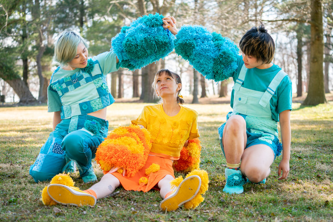 Emi_WIP_Sunflowers&blue_WIP_03.jpg