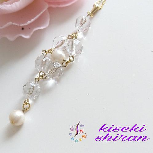 パールとキラキラ水晶のネックレス