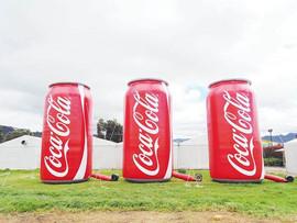 Latas Inflable Coca Cola.jpg