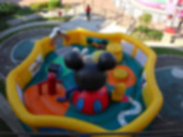 mickey-club-house-inflable.jpg
