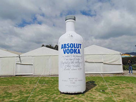 Botella Inflable Vodka Absolut.JPG