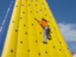 montana-inflable-escalar-amarilla.jpg