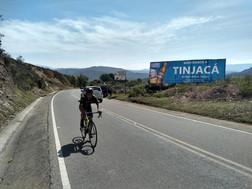 valla publicitaria en Tinjaca.jpg