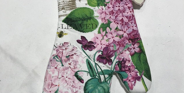 Lilac & Violet Oven Mitt