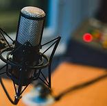 microphone-2618102_1280.jpg