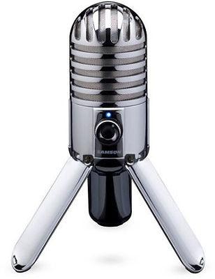 Micrófono marca Samson, modelo Meteor, con tres patas, metalizado