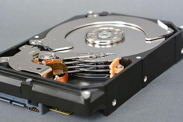Disco duro para PC, marca Seagate, modelo Barracuda, componentes internos