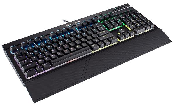 Teclado mecánico gaming para PC, marca Corsair, modelo K68 RGB