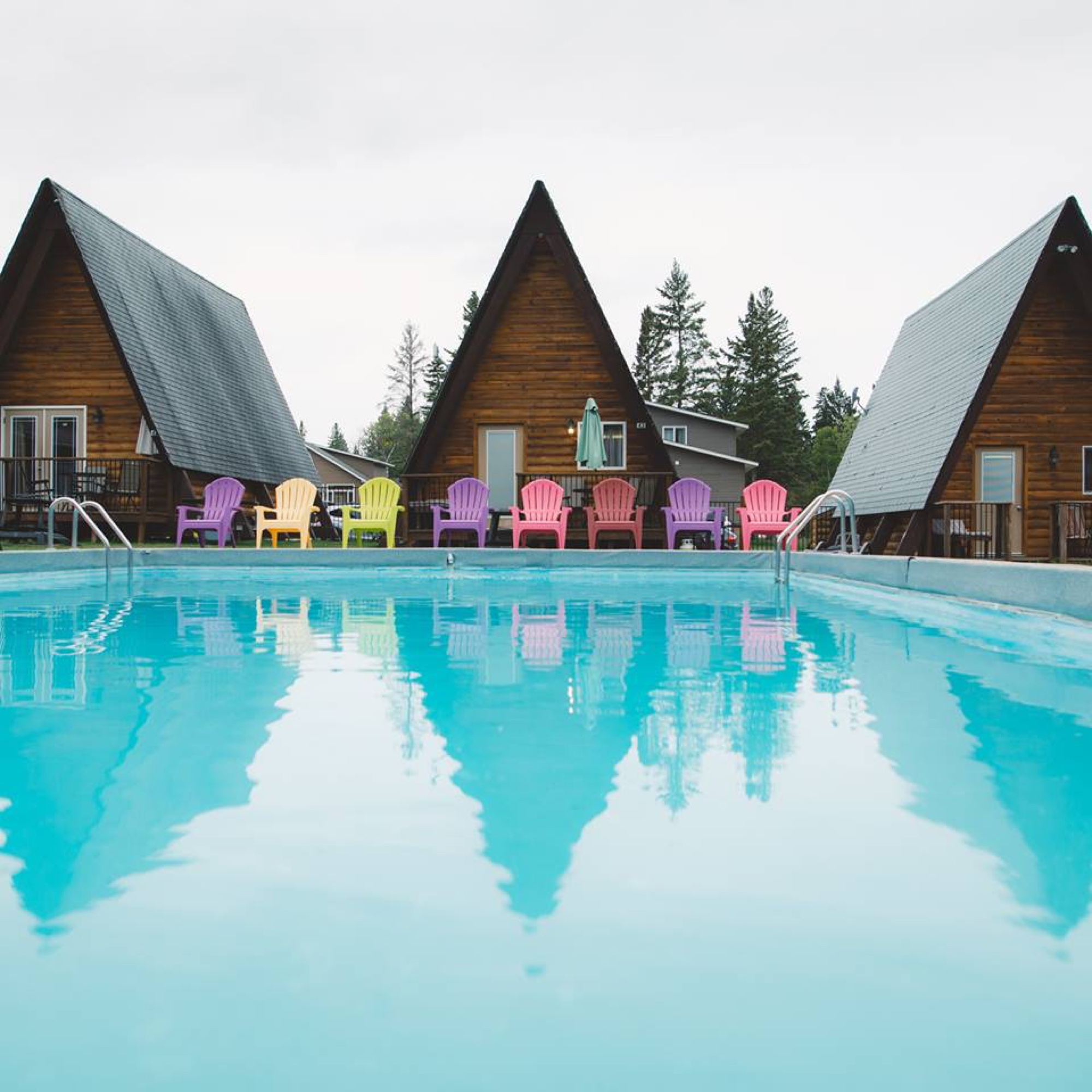Pool Adirondack photo