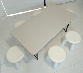 Table and 6 stools
