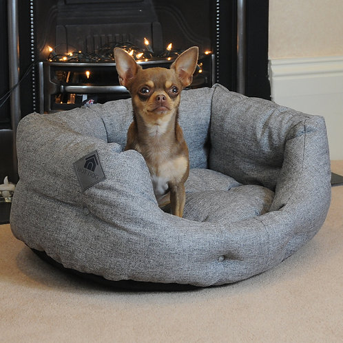Sledmere Small Heated Dog Bed