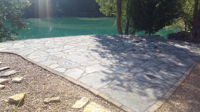 Bergundy Patio Stone with Tumbled Tan Edging