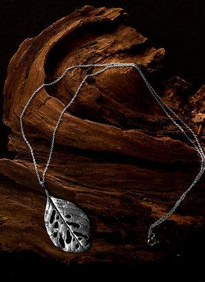 Deadly nightshade - Atropa belladonna - Necklace