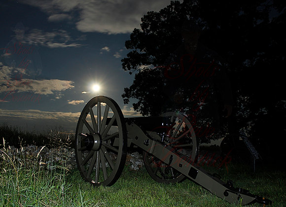 Gettysburg Cannon with Moon