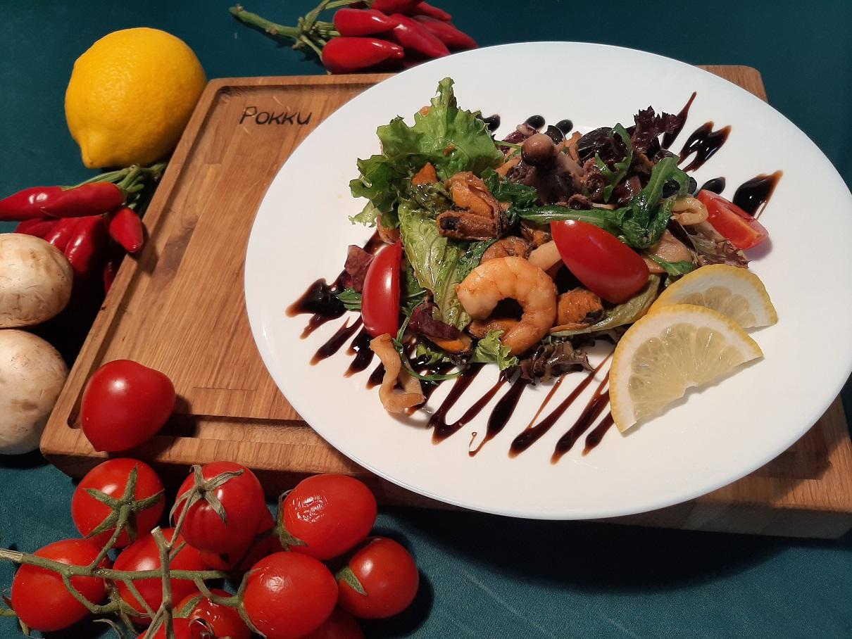 'Салат с морепродуктами'