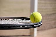 Racket og bold